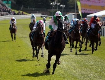 Here Comes Again remporte les Sussex Stakes