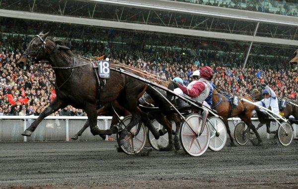 Ready Cash lors de sa victoire dans le Prix d'Amérique 2012